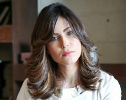 medium length dark brown natural hair wig side fringes side parting