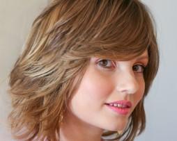 short bob blond light highlight side fringes layered hair side look